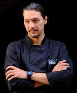 Chef-ul restaurantului, Alexandru Popa
